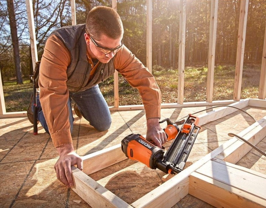 Ridgid R350RHE 21 degree framing nailer